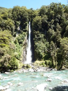 Roaring Billy Waterfall, NZ